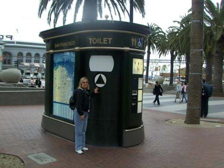 Toiletsm