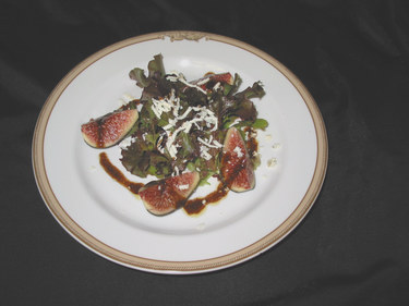Figs_and_greens_balsamic_syrup